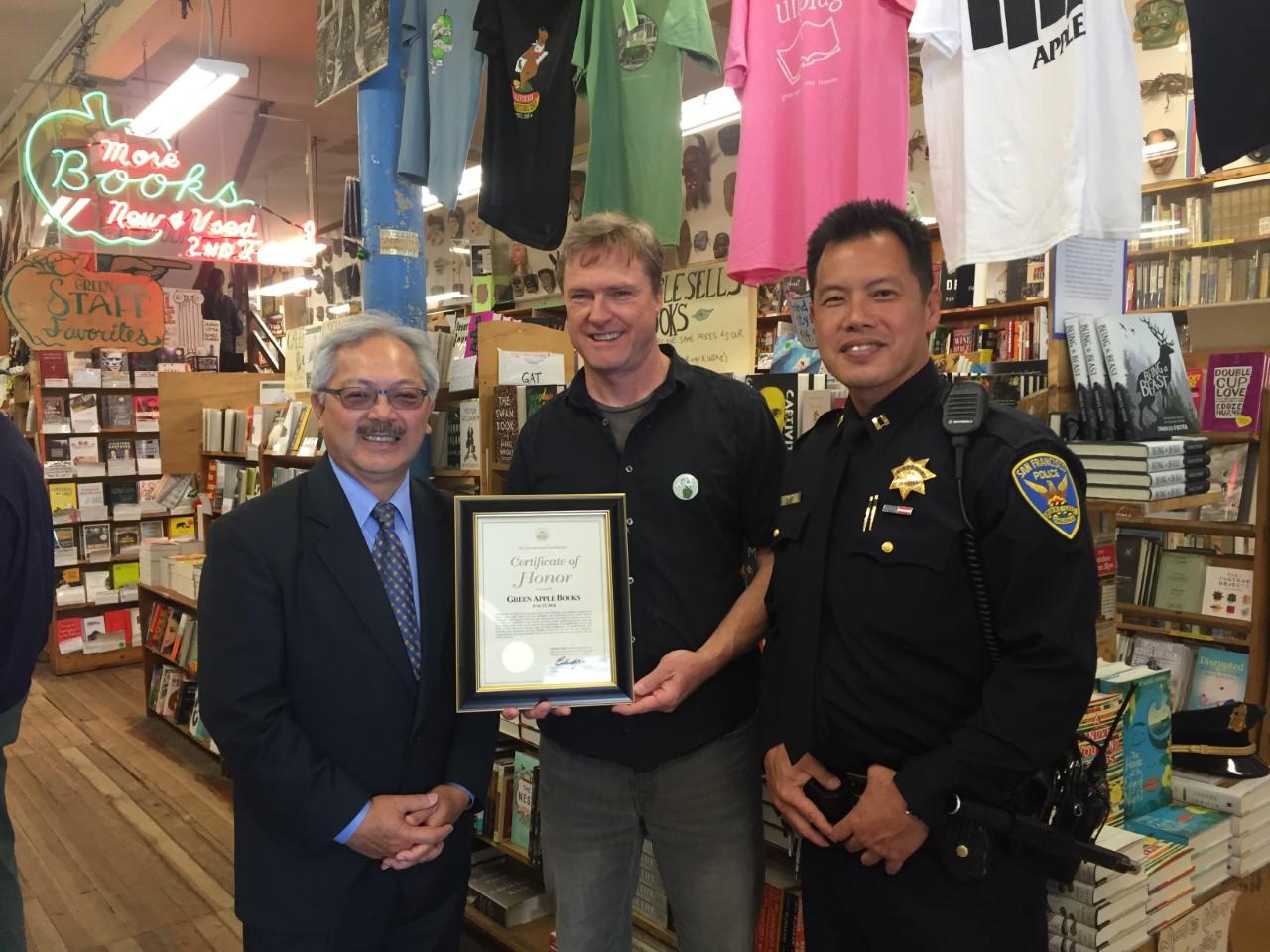 L to R: Mayor Ed Lee, a Green Apple Books staff member, and SFPD Captain Paul Yep