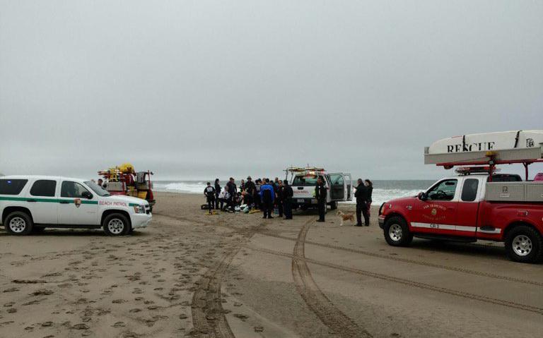 Emergency crews respond to the scene on Ocean Beach, 8/17/16. Photo by SFFD PIO