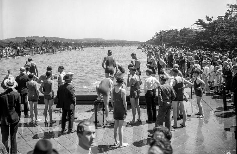Fleishhacker Pool Jun 22, 1929 Fleishhacker Pool near Great Highway. OpenSFHistory / wnp14.4434.jpg